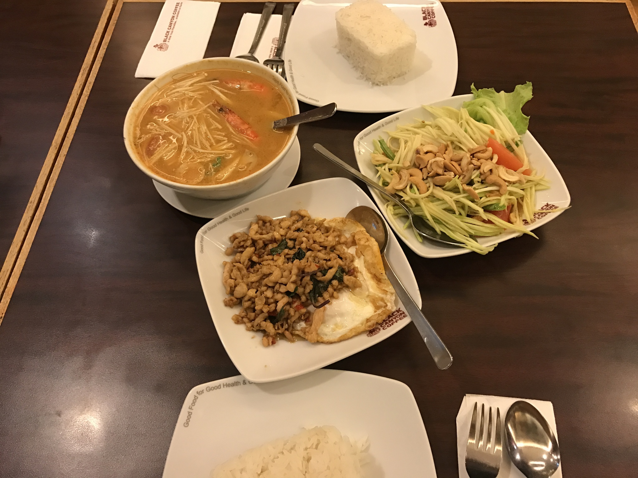 Black canyon coffee restaurant summit usj aroma asian for Aroma royal thai cuisine