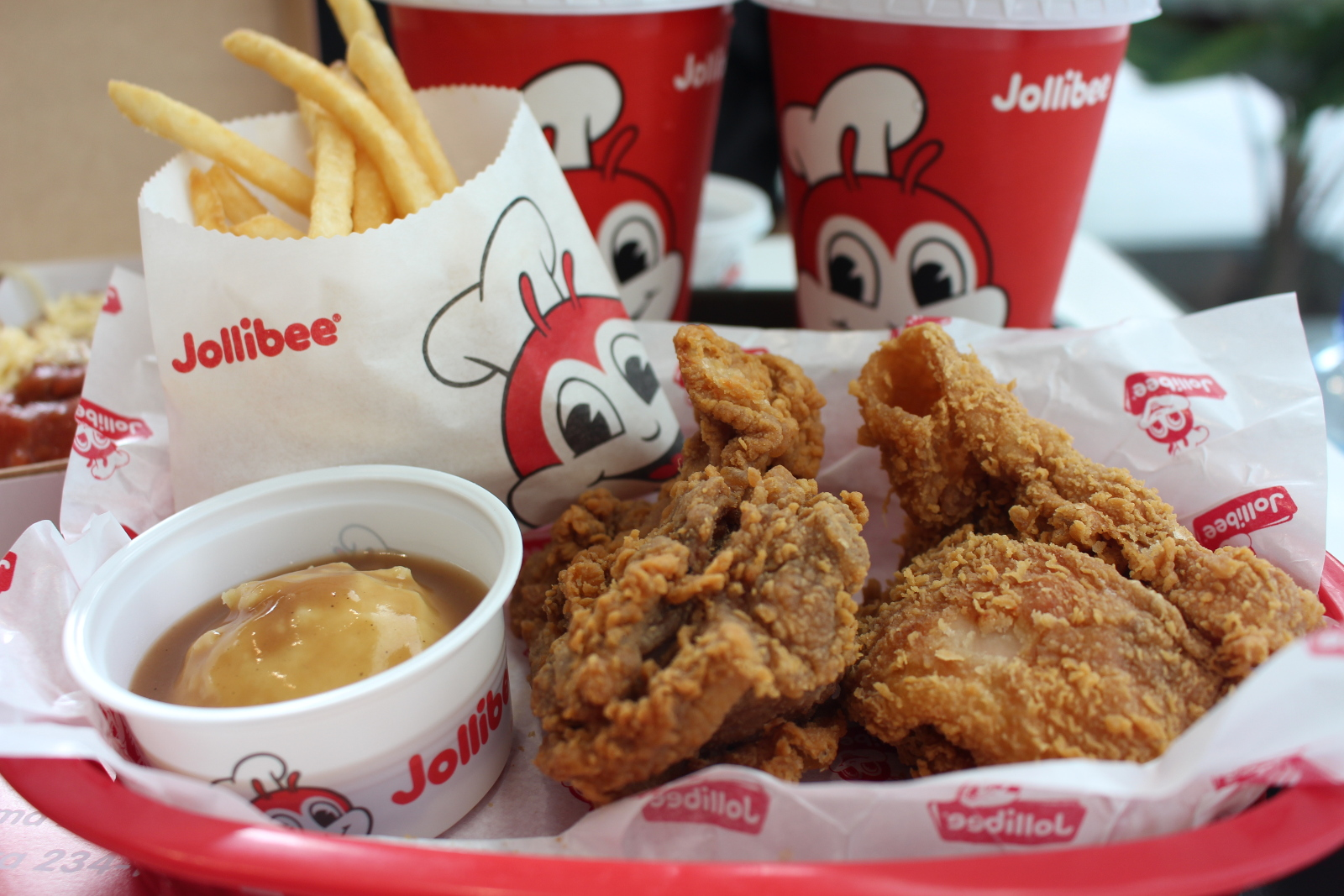 Langhap Sarap Home Of The Famous Chickenjoy Jollibee Aroma Asian